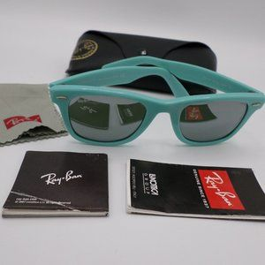 Ray-Ban Wayfarer Sunglasses Turquoise Italy